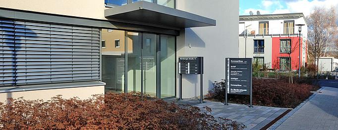 KonzeptBau GmbH : Abmelden - 2013-11-25 Nbg.11 Eingang 1-1-1 03